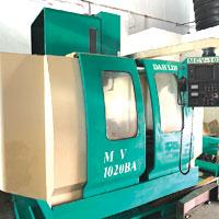 CNC Milling Machine DAHLID 1020BA (Used) 1020Mm X 550Mm Travel
