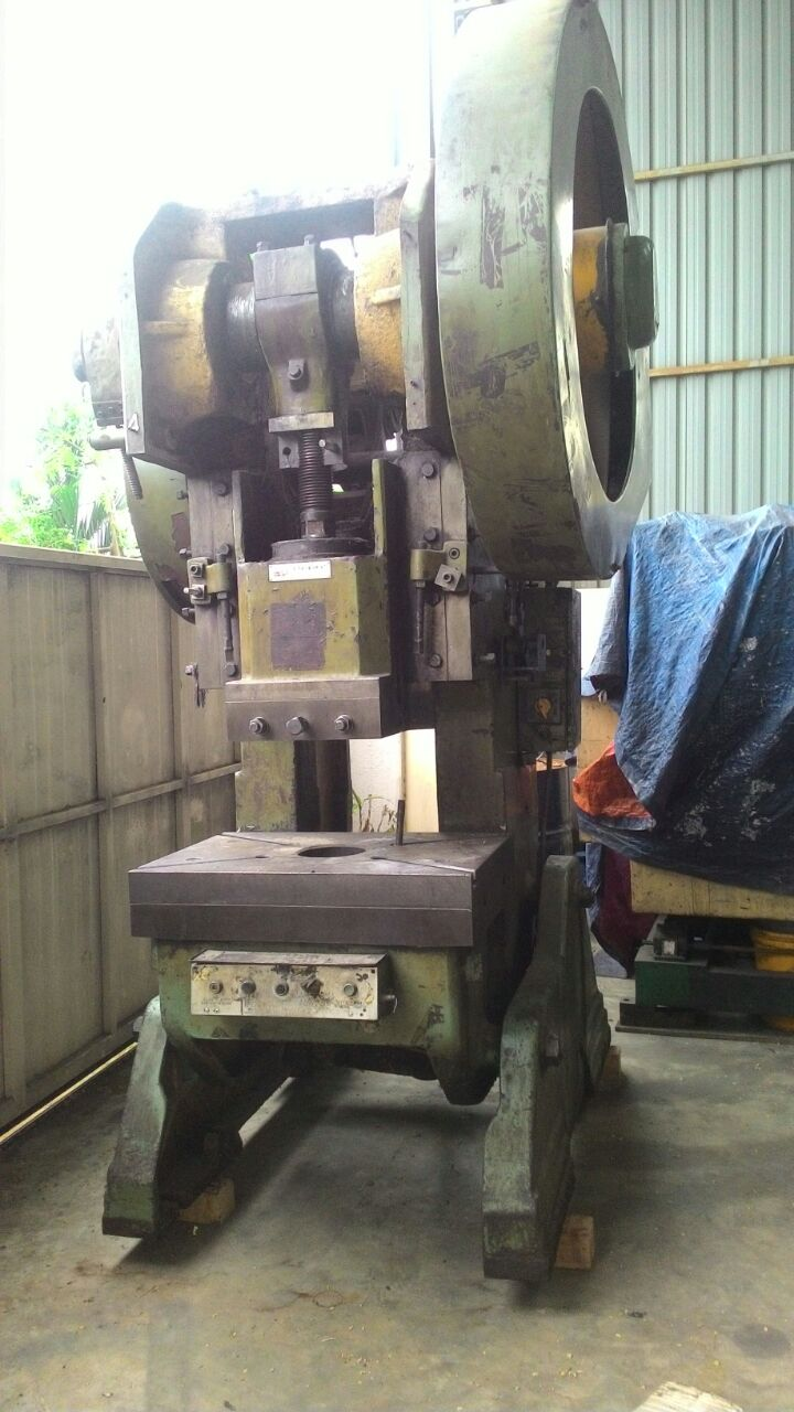 USED CHINA PRESS 63 TON